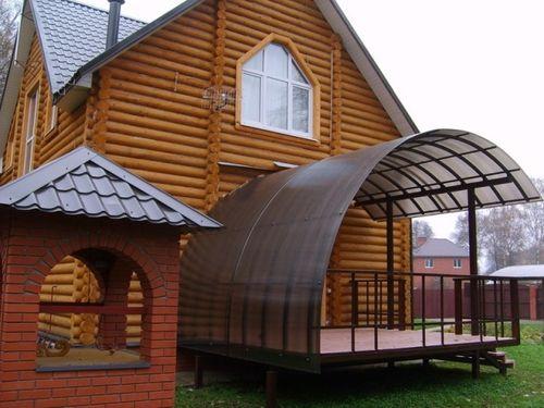 Как применить поликарбонат в строительстве дома