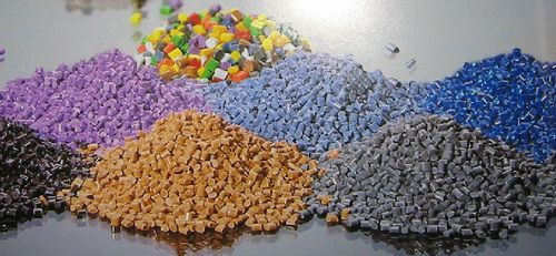 Что такое гранулированный поликарбонат: особенности и применение