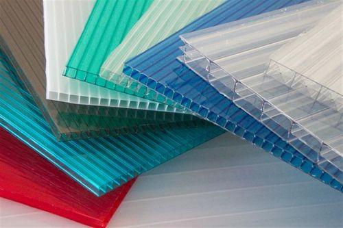 Каким бывает двухцветный поликарбонат: виды и применение